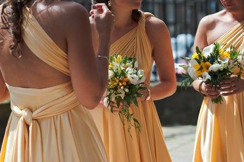 AZ inspirace V. - družičky a další svatebčané - zajímavě řešený vršek šatů