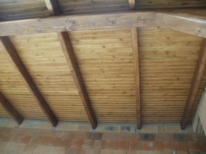 terasa je podbitá, manžel sa činil .-)