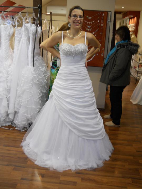 Co sa mi páči a čo by som chcela na našej svadbe - vrch bol krásny ale sukňa eee