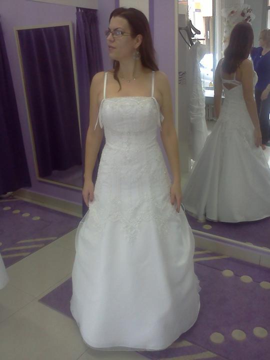 Co sa mi páči a čo by som chcela na našej svadbe - Vypnutá sukňa....to už nebolo ončo