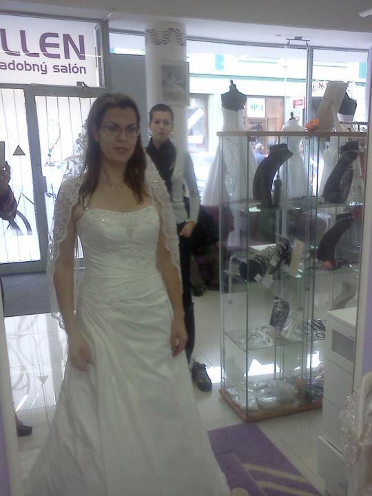 Co sa mi páči a čo by som chcela na našej svadbe - Boli veľmi pekné ale bohužial nie biele