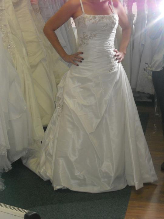 Co sa mi páči a čo by som chcela na našej svadbe - veľmi ťažké šaty
