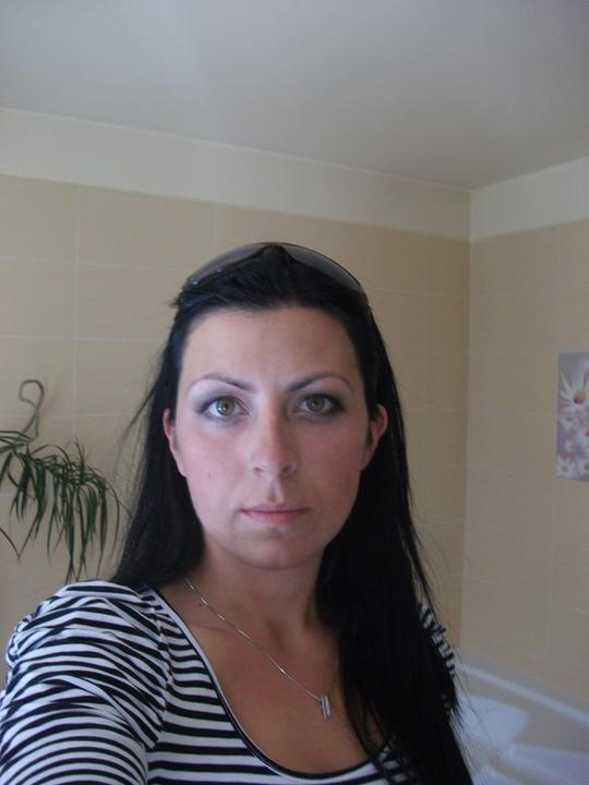 Přípravy 11.6.2011:)))) - hlavně vidět ty oči a jse zklamaná ted mám nervy ze svatebního dne jak to dopadne :(