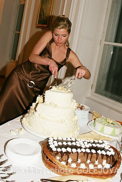 Svadba Viera & Darrell 5.5.2007 - Nasa nadherna a chutna svadobna torticka