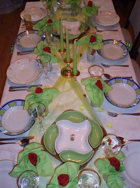 Zásnuby 23.3.2008 - takto sme mali pripraveny stol:)