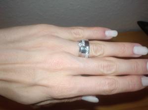 Malá zkouška snubního prstenu se zásnubním (nevypadá to zle :-))