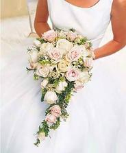 určitě takový tvar filovo - bílé růže