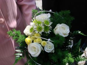 květina pro maminky a svědkyni