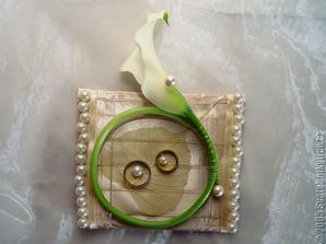 polštářek bude taky, jen jiná květina a možná jiný design :)