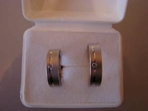 snubní prsteny, asi jediné, které se nám líbily, a které nás zaujaly fakt na první pohled