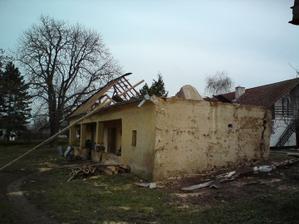 06.12.2009 už sa začali aj práce na asanovaní...