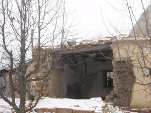 26.12.2009  táto stena nám už v noci vypadla sama..