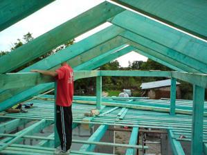 05.08.2010 už to začína vyzerať ako strecha