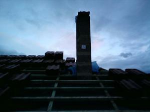 01.09.2010 komín je už takmer hotový, už len ukončiť klobúk a je to..