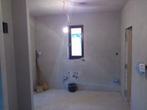 30.11.2011 murári medzičasom pracujú na stierkovaní ostatných miestností..