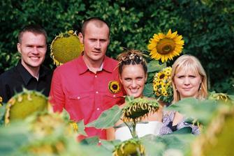 Mušketýři mezi slunečnicemi