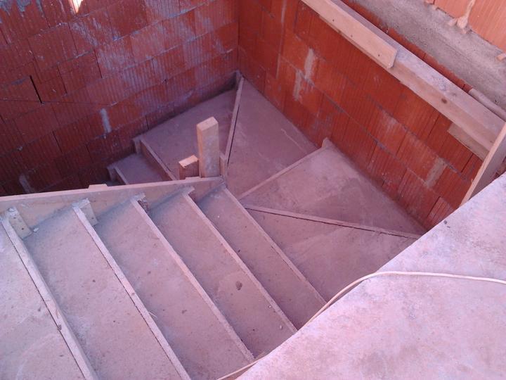Staviame náš sen :) - vysnívané schody...