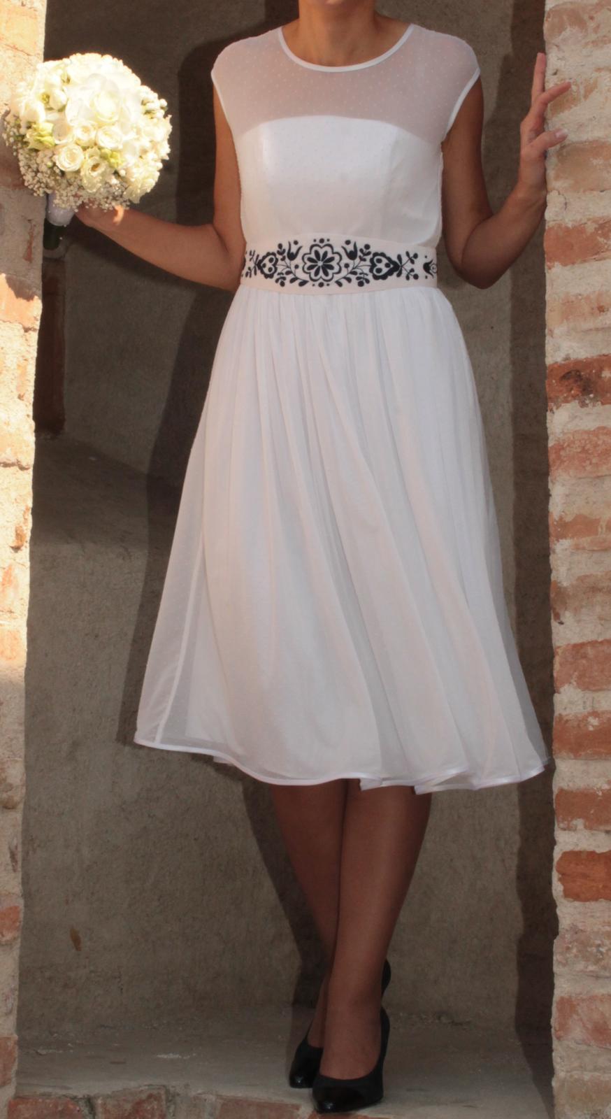 Krátke svadobné šaty 36/38 - Obrázok č. 1