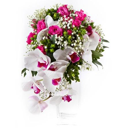 Čo na ňu hovoríte? Ruža + orchidea  http://www.hydroflora.sk/e-shop/rezane-kvety/svadobne-kytice/kytica-z-orchidei-a-ruzi.html - Obrázok č. 1