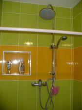 Nase vele sprcha ,zatim se zavesem.Dvere budou az budou korunky :-)