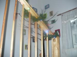 zezdola i se skoro hotovym  stromem zivota:-)
