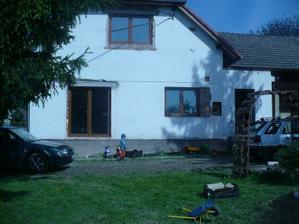 barak+okna ze dvora