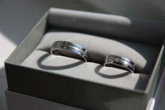 Naše prstýnky:-) s malými komplikacemi, ale máme je:-)
