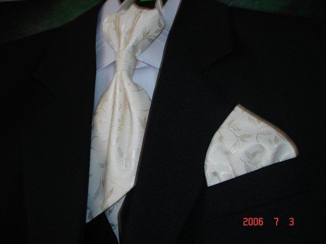 Topoľčany - 26 august 2006 :-) Môj Bielo-Zlatý Album - Osobne som mu ho vyberala :-)