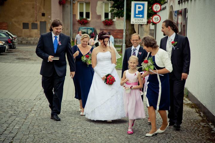 Mishka{{_AND_}}Janko - a jde se na to, tatínek nevěsty, jeho manželka jako můj svěděk, maminka ženicha, bratr ženicha a malé sestřenky :-)