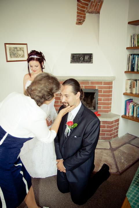 Mishka{{_AND_}}Janko - maminka ženicha dává požehnání
