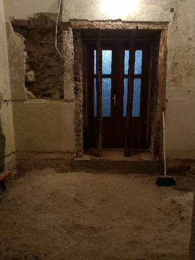 Kúpeľňa v 400 ročnom kamennom dome-zemianskej kúrie s prvkami nemeckej architektúry