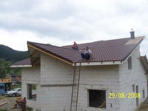 už len zakryť vikier a strecha je na svete...