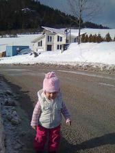 ...zimná prechádzka okolo nášho domčeka...