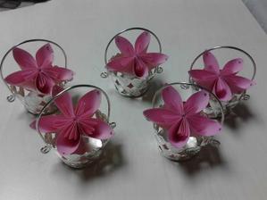 Ještě do košíčků přidám růžový sisál:-)