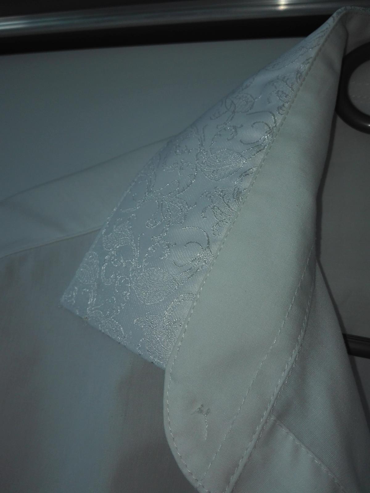Vesta s košelou a s kravatou - Obrázok č. 3