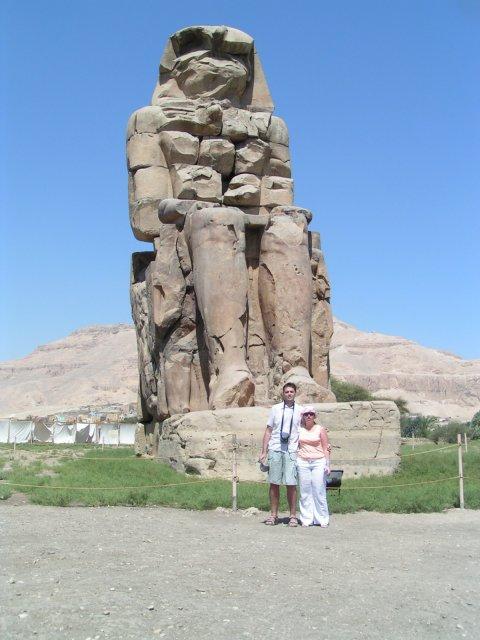 Katka{{_AND_}}Vladko - a svadobna cesta - egypt - kde ma chceli kupit za 30 tiav, nedalsi ma, doooobry manzel:)