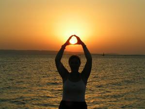 vychod slnka pri cervenom mori