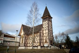 A tu vidiet nase pocasicko :) v kostole 0 stupnov a von minus 8 :)