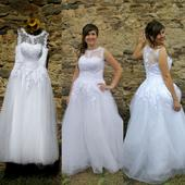 Krajkové svatební šaty ., 42