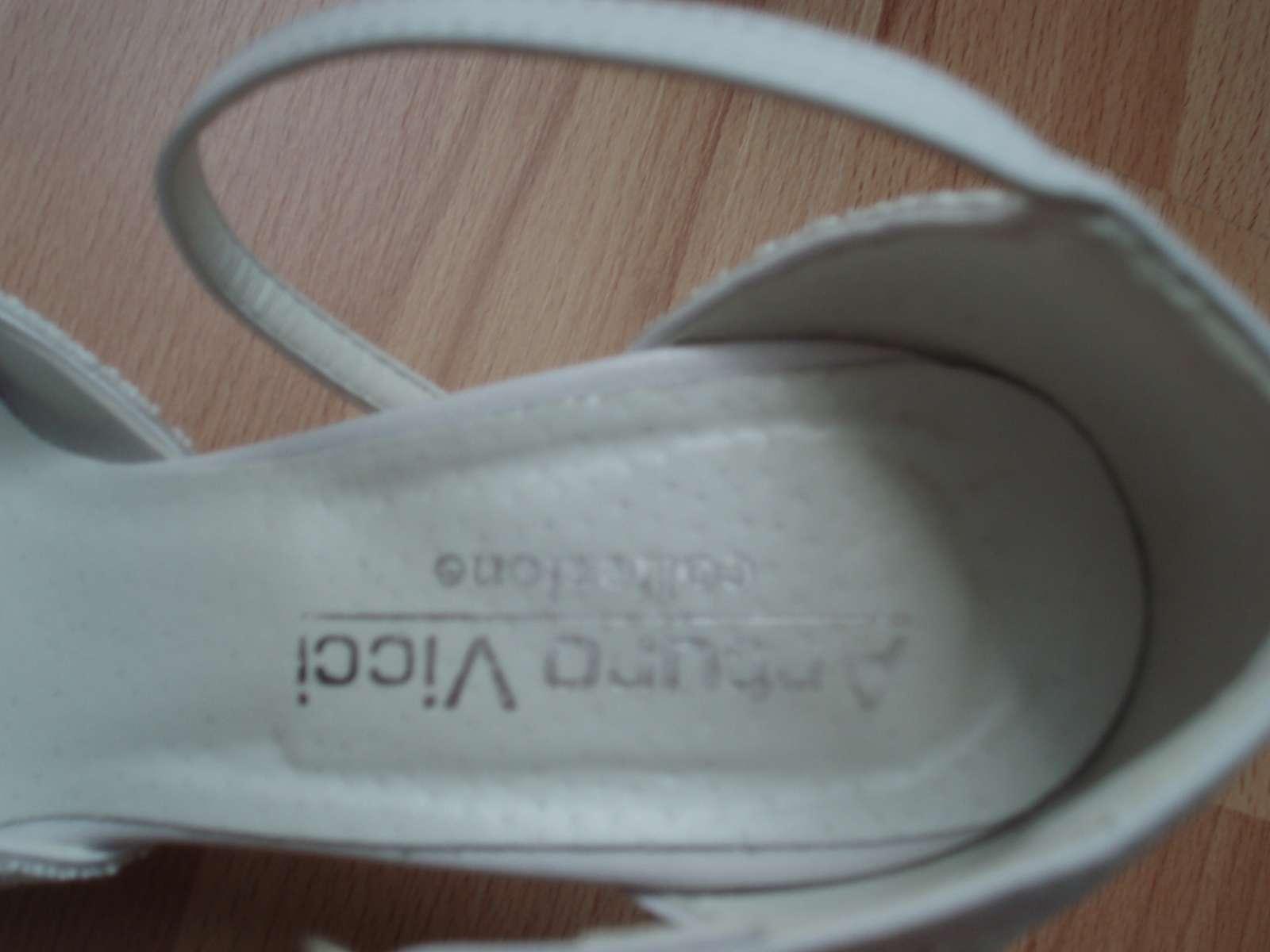 svadobné topánočky - Obrázok č. 2