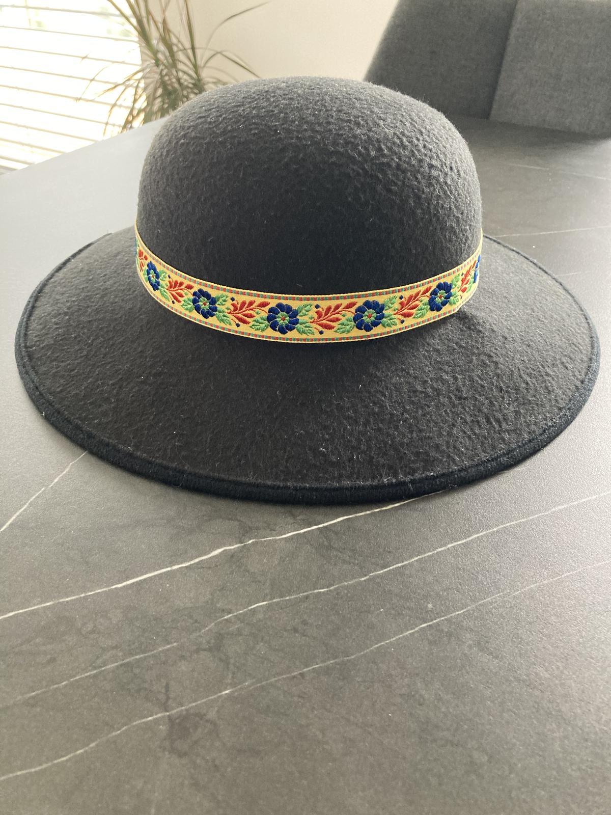 Čepiec a klobúk - Obrázok č. 4