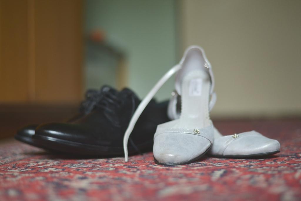 svadobné topánky striebornej farby - Obrázok č. 1