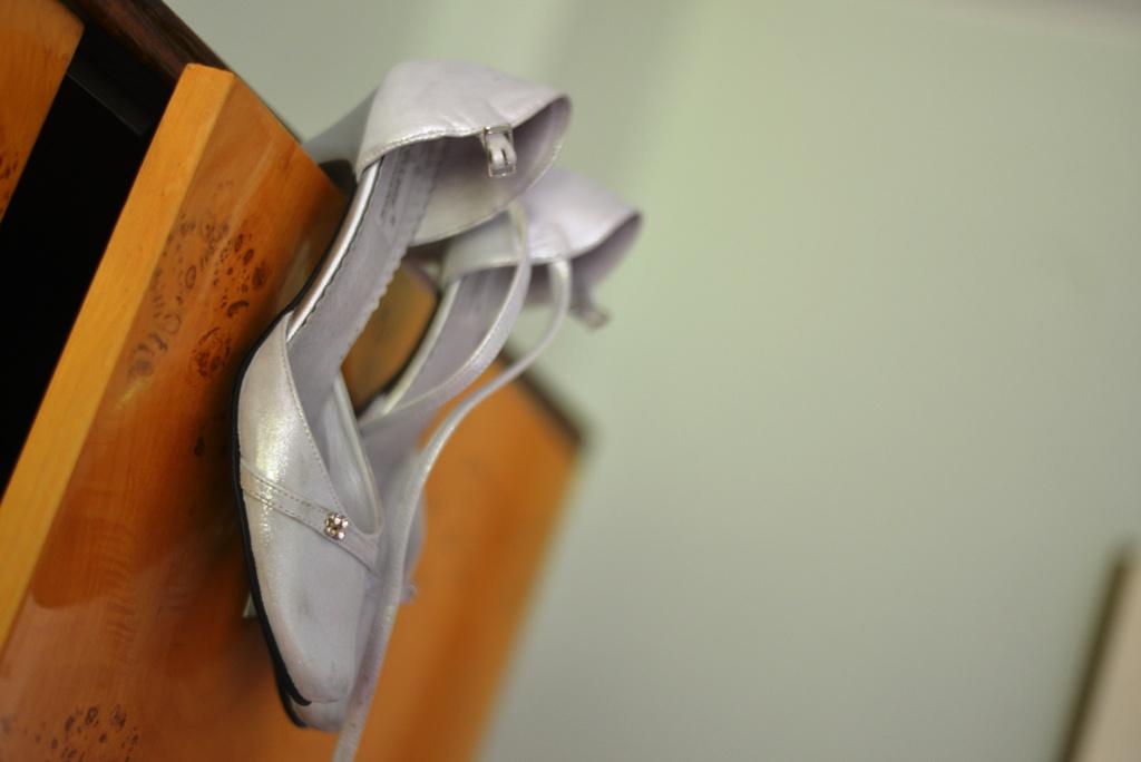 svadobné topánky striebornej farby - Obrázok č. 3