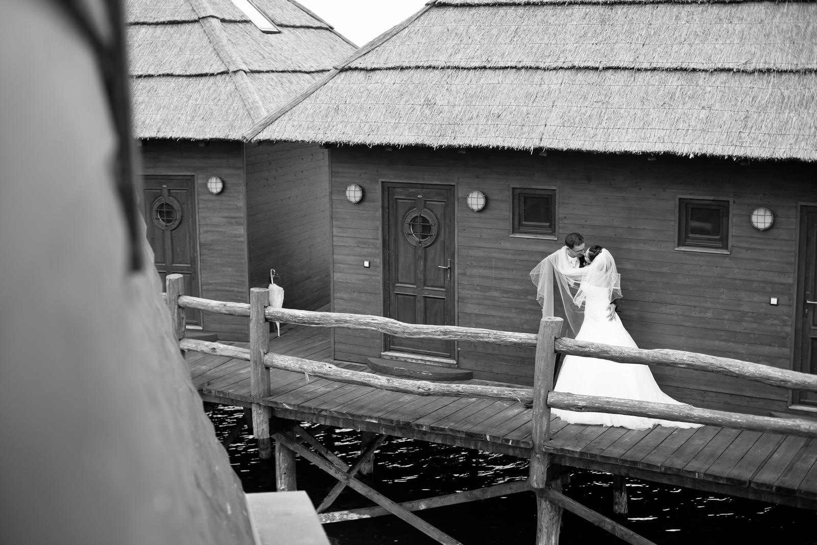 KATKA{{_AND_}} PEŤO Októbrová romanca - Zahalený ruskom tajomstva:)