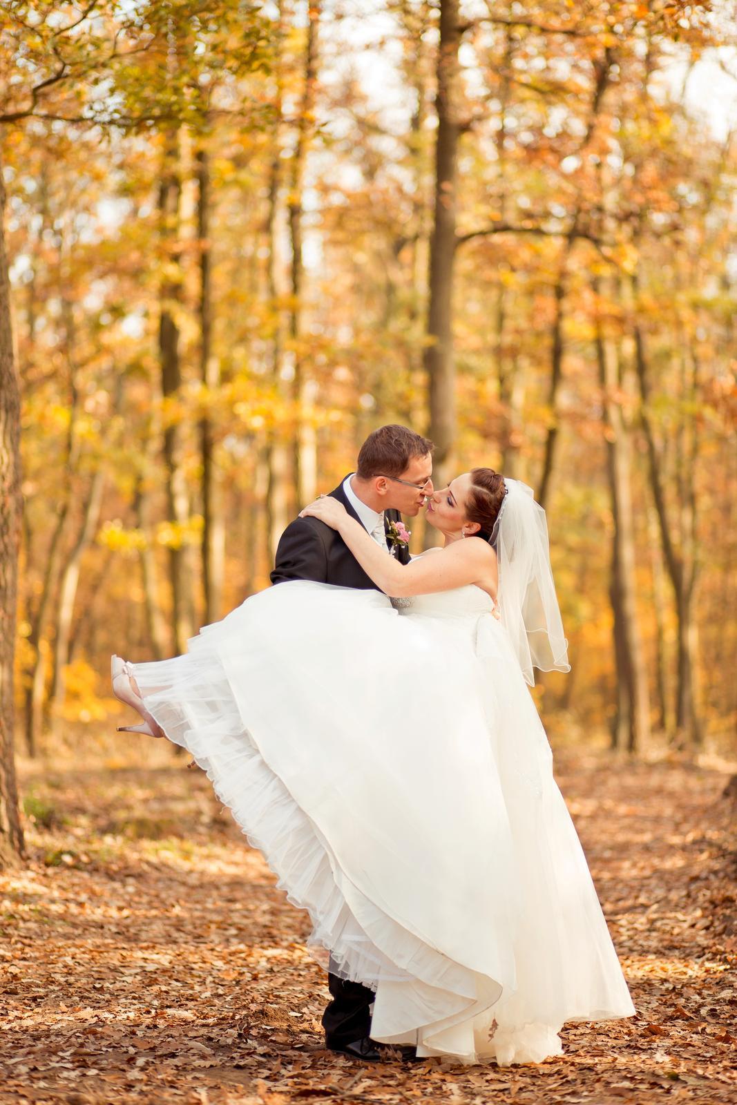 KATKA{{_AND_}} PEŤO Októbrová romanca - A na rukach celý zivot