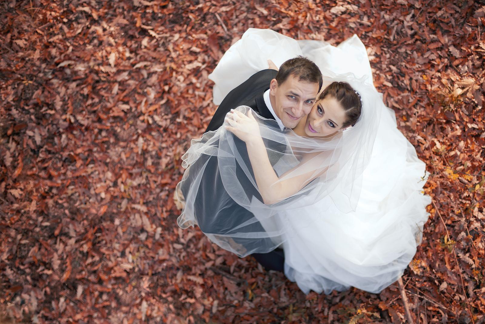 KATKA{{_AND_}} PEŤO Októbrová romanca - tancujeme v listi...