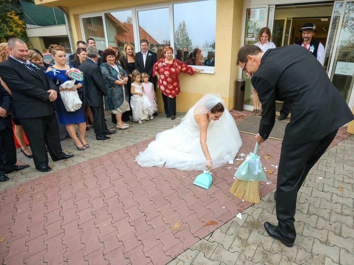 KATKA{{_AND_}} PEŤO Októbrová romanca - Čriepky šťastia...