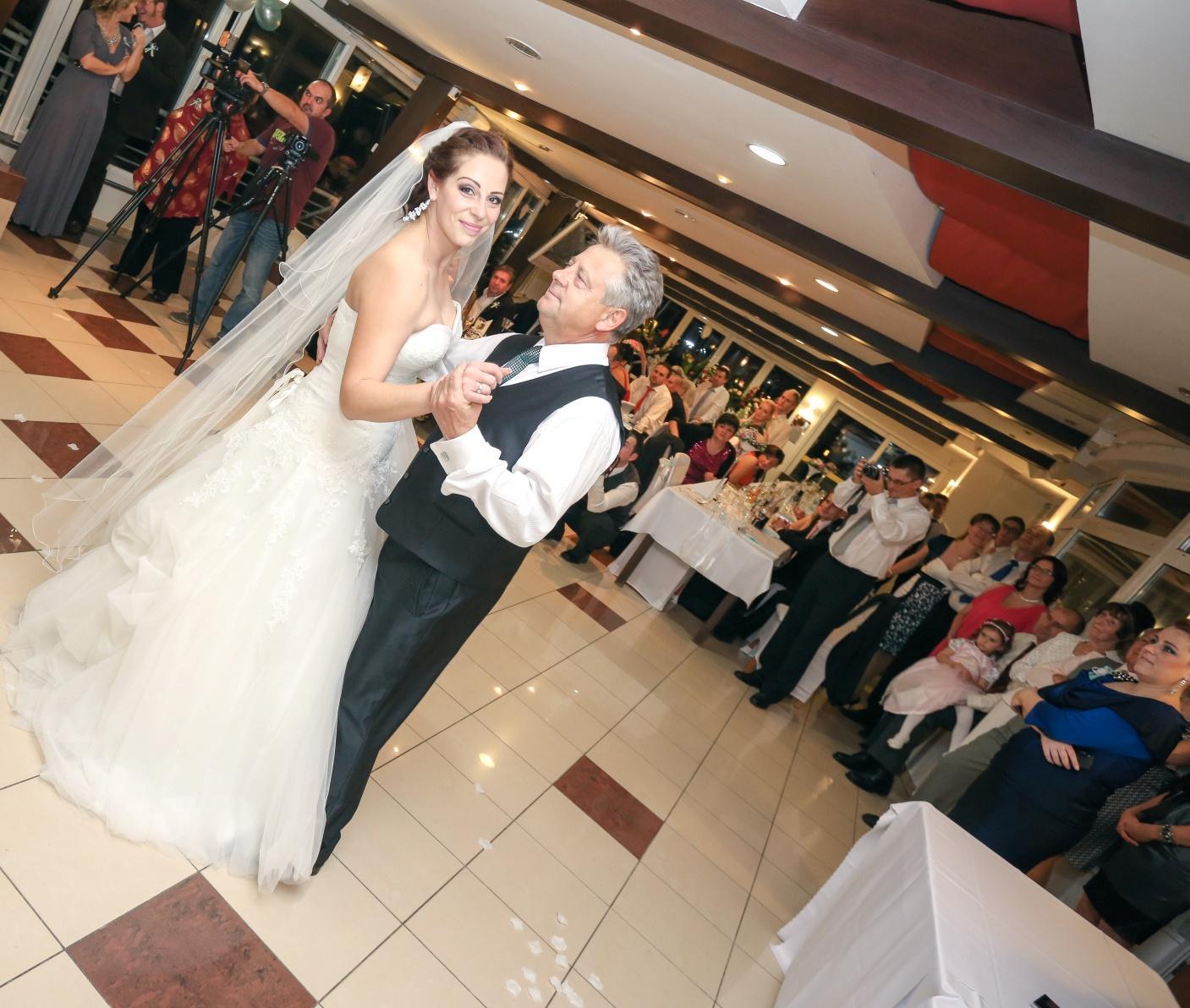 KATKA{{_AND_}} PEŤO Októbrová romanca - tanec s rodičmi...