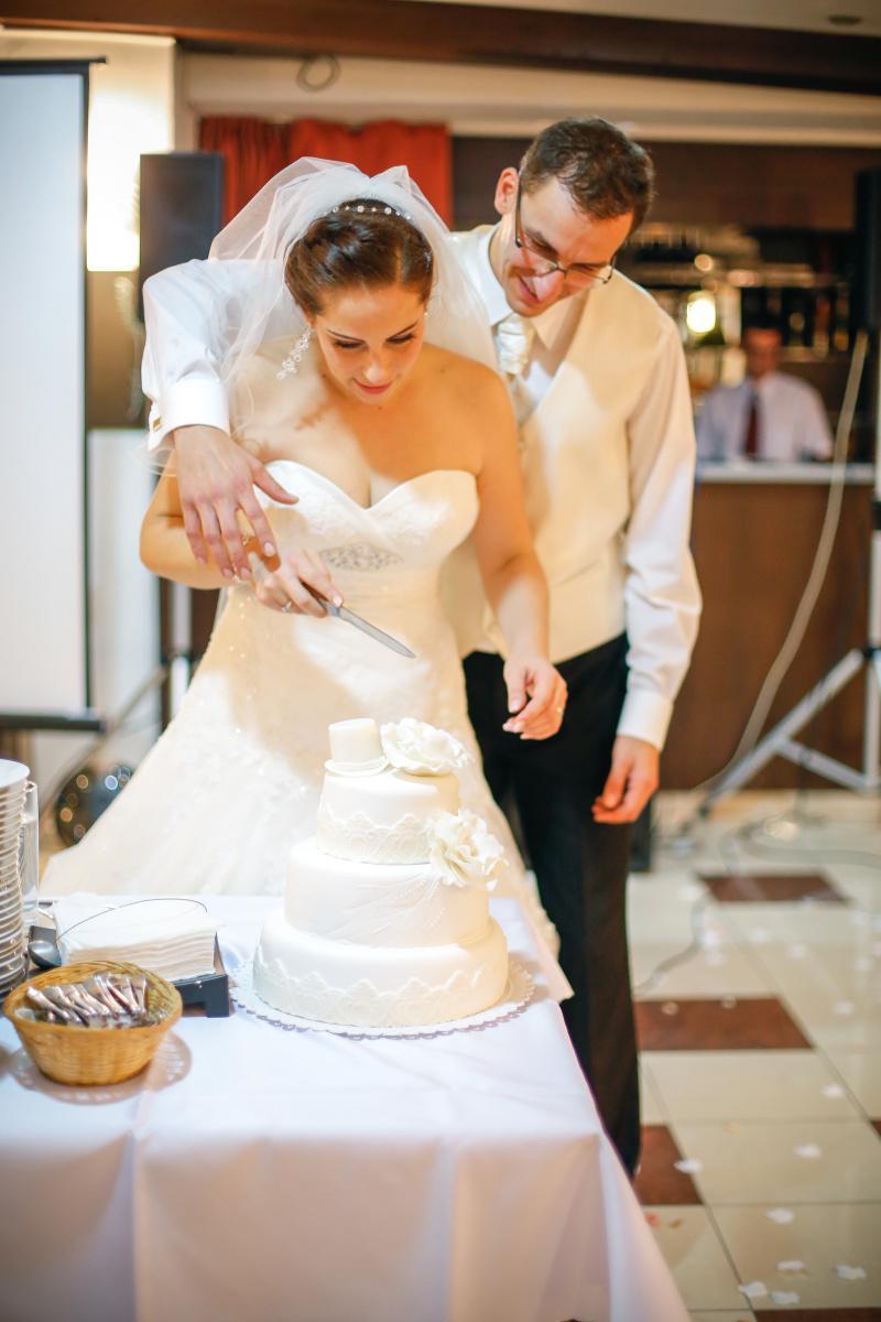 KATKA{{_AND_}} PEŤO Októbrová romanca - Naša svadobná torta :)