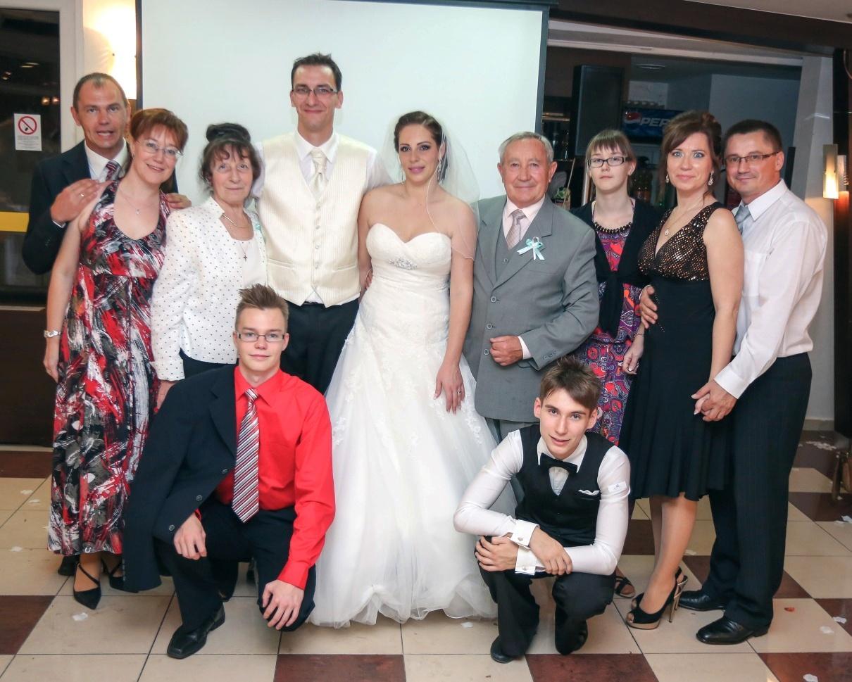 KATKA{{_AND_}} PEŤO Októbrová romanca - Ženíchova rodina